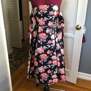 Fitted A-line strapless floral dress